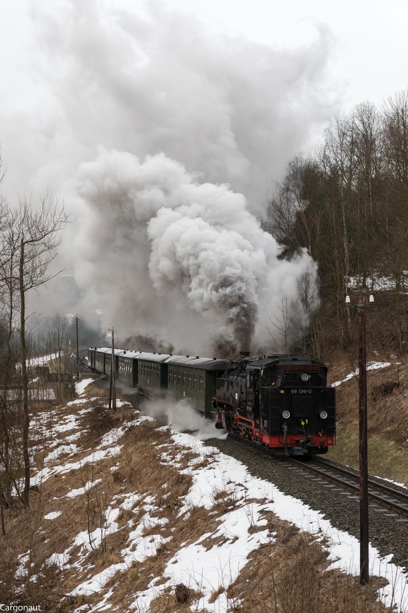 http://www.cargonautus.de/Bilder/Dampflok/99_1741_Niederschlag_P1000_KBS518_310118.jpg