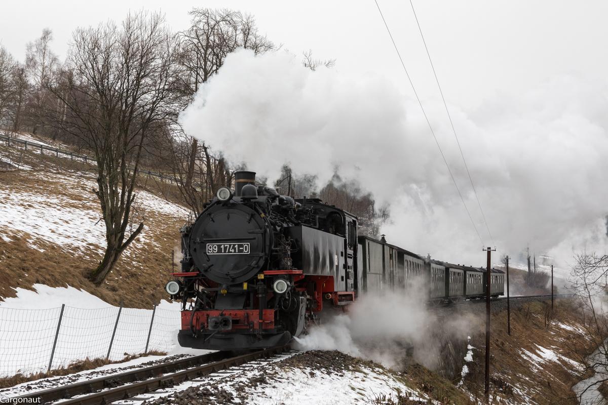 http://www.cargonautus.de/Bilder/Dampflok/99_1741_Unterwiesenthal_P1001_KBS518_310118.jpg