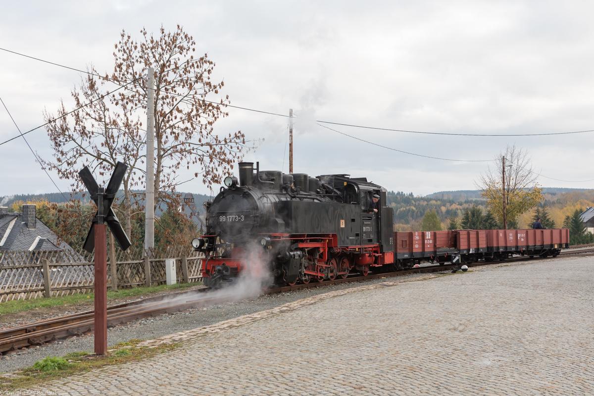 http://www.cargonautus.de/Bilder/Dampflok/99_1773_Cranzahl_Rangieren_KBS518_261018-3.jpg