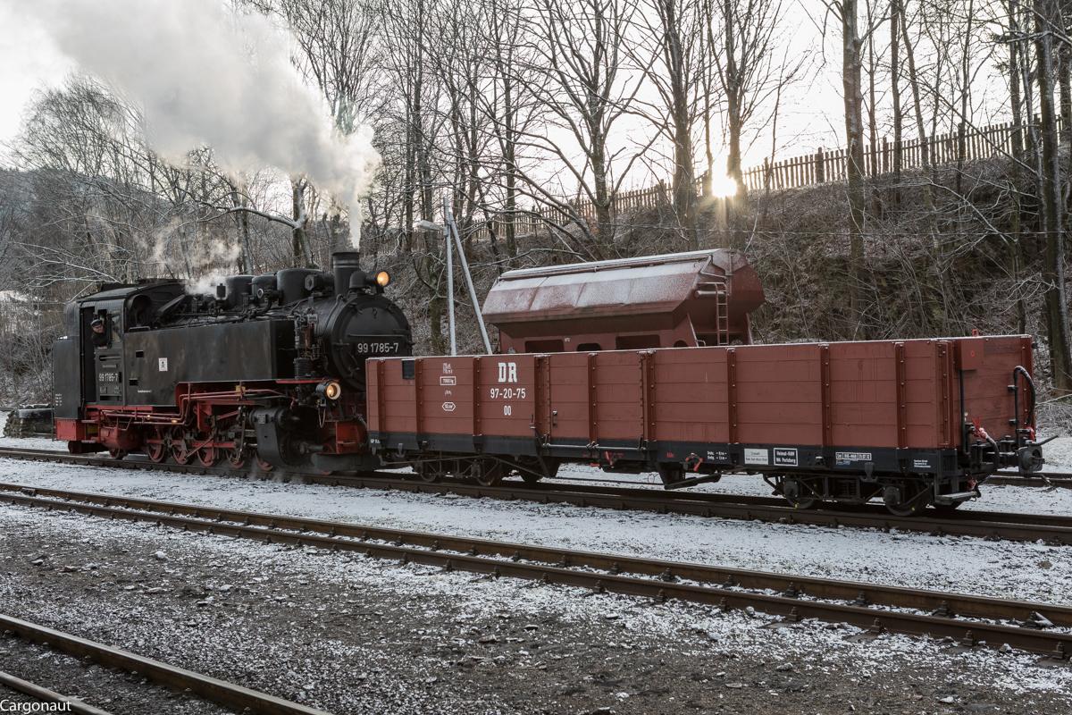 http://www.cargonautus.de/Bilder/Dampflok/99_1785_Cranzahl_KBS518_010218.jpg