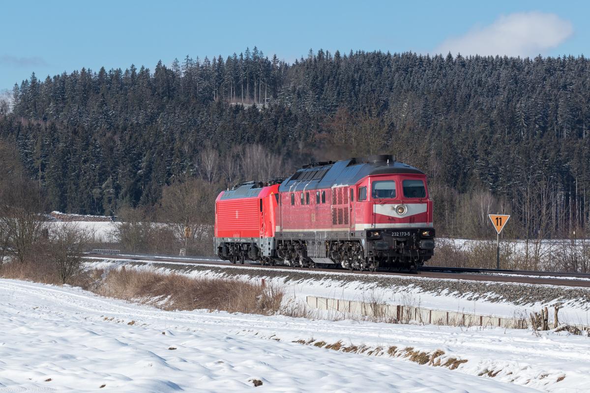 https://www.cargonautus.de/Bilder/Diesel/132_173_102_004_Lengenfeld_KBS855_130221.jpg