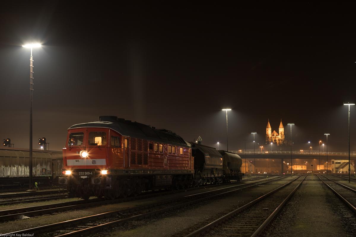 http://www.cargonautus.de/Bilder/Diesel/232_569_Schwandorf_EK50836_KBS870_311219-2.jpg