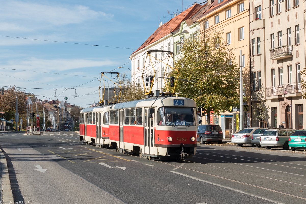 http://www.cargonautus.de/Bilder/straba/Tatra7262_Malovanka_Prag_271019.jpg