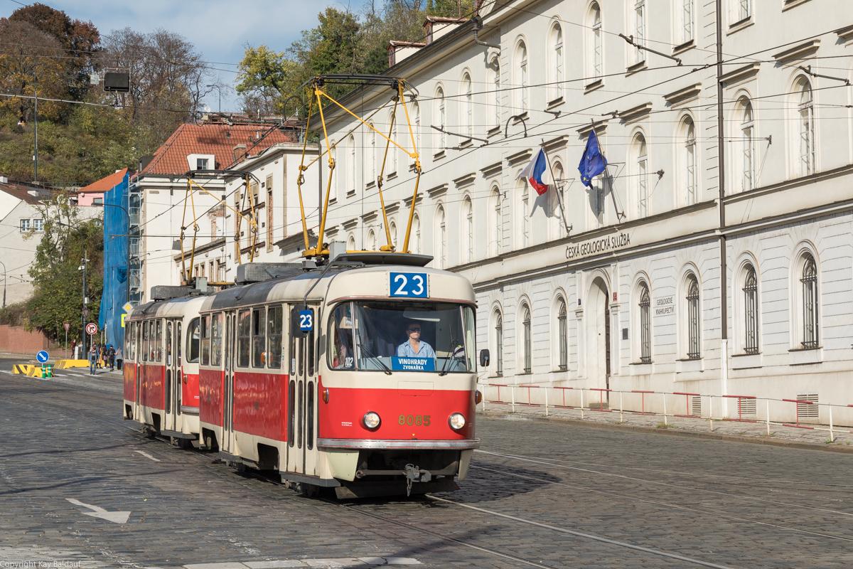 http://www.cargonautus.de/Bilder/straba/Tatra8085_Malostranská_Prag_271019.jpg